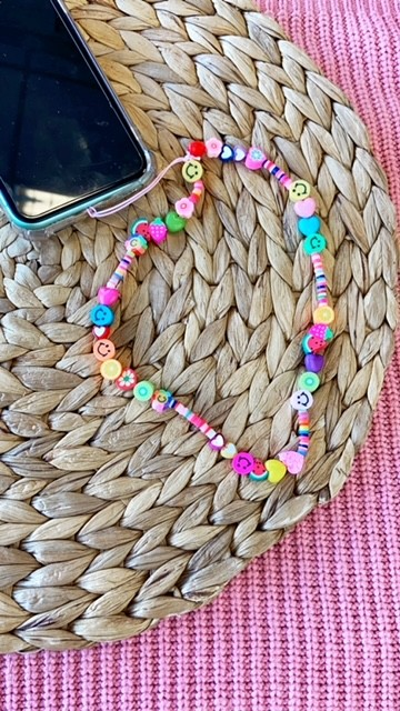DIY pakket telefoonkoordje candy crush pink kralen