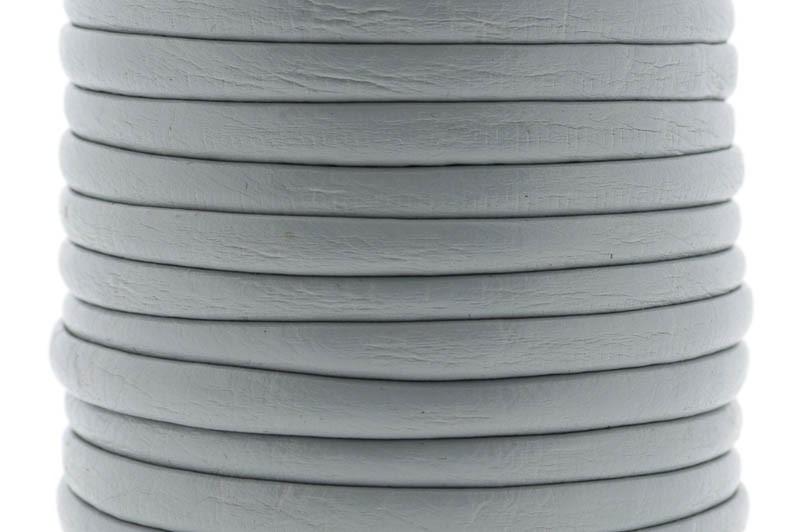 Gestikt DQ leer 4mm light grey per 20cm