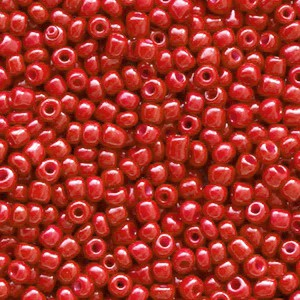 Glaskralen rocailles 12/0 2mm rond 8 gram crimson red