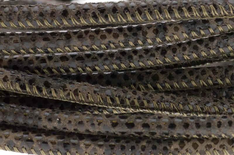 High Quality gestikt leer rond 4mm met print python print taupe per 20cm
