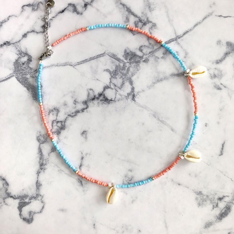 diy-pakket-ketting-blauw-roze-met-3-schelpjes