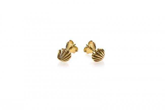 Karma minimalistische oorbellen symbols shell goldplated (per paar)