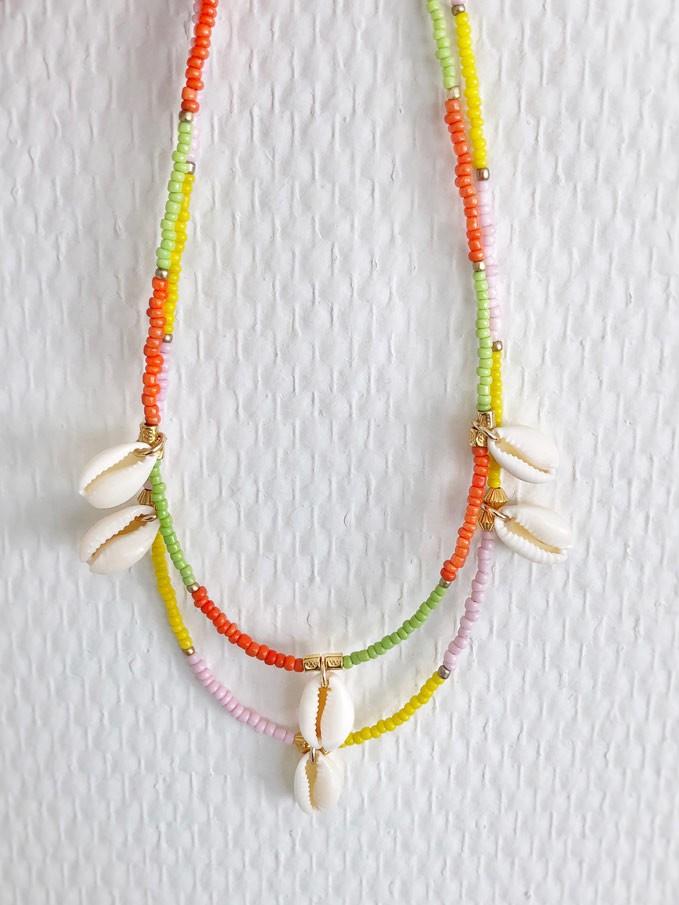 diy-pakket-ketting-groen-oranje-met-3-schelpjes3