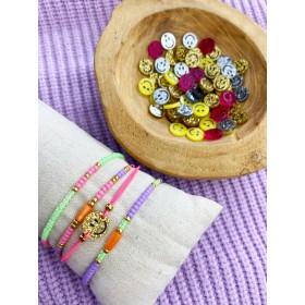 DIY pakket zomerse armbanden set met smiley bedel