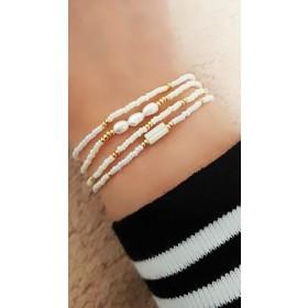 DIY pakket kralen armbandjes wit en goud met zoetwaterparel.