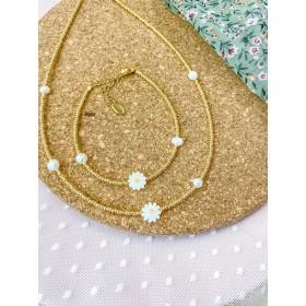 DIY pakket gouden kralenketting  EN armband daisies met zoetwaterparels.