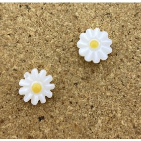 Zoetwaterparel daisies kraal 10mm naturel (Ø0.8mm) per stuk