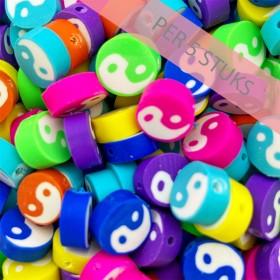 Polymeer kralen yin yang rond multicolour 10mm (per 5 stuks)