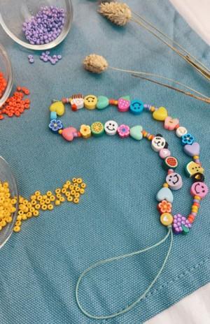 DIY pakket telefoonkoordje candy crush kralen