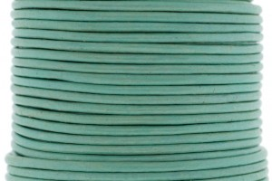 DQ leer rond 2mm metallic pastel green 1 meter