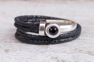 FRIS! Halve metalen armband zwart