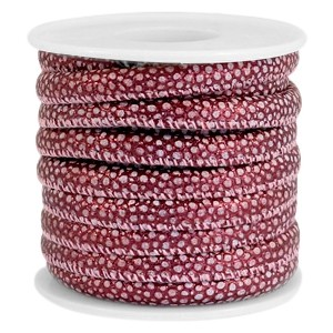 Gestikt imitatie leer 6x4mm lizard mulberry red metallic per 20cm