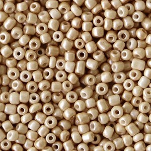 Glaskralen rocailles 12/0 2mm rond 8 gram champagne beige