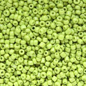 Glaskralen rocailles 12/0 2mm rond 8 gram lime green