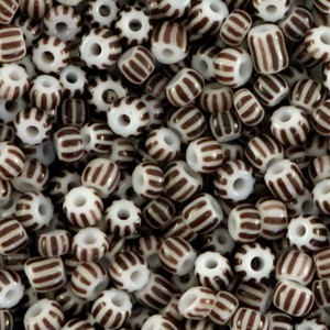Glaskralen rocailles 8/0 3mm rond 5 gram stripes white-dark brown