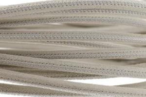 High Quality gestikt leer rond 4mm met print beige glitter per 20cm