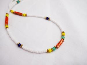 diy-pakket-witte-chokerketting-geel-en-blauw-facet-met-oranje-natuurstenen