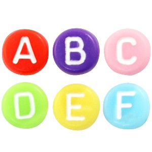 Letterkralen rond 7mm multi color white (A-Z) (per stuk)