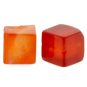 Natuursteen cube kralen vierkant 4mm fire red