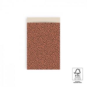 Papieren cadeauzakjes / inpakzakjes Black Dots 12×19cm terra (per 5 stuks)