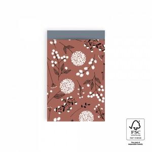 Papieren cadeauzakjes / inpakzakjes flowers big warm red - sky blue 12x19cm (per 5 stuks)