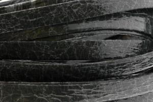 Plat leer met print 10mm broken paint black per 20cm