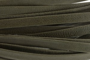 Plat leer met print 5mm olive green per 20cm