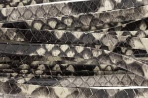 Plat leer met print 5mm python grey per 20cm