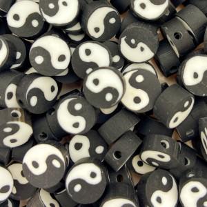 Polymeer kralen yin yang rond zwart 10mm per stuk