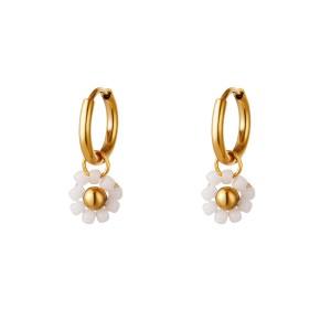 Stainless steel oorbellen / creolen beaded flower white 11mm goud