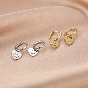 Stainless steel oorbellen / creolen hartjes smiley 10mm goud en zilver