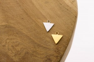 Karma symbols triangle 925 sterling zilver en goldplated 10mm (per stuk)