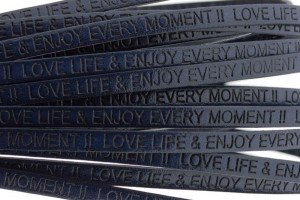 Tekst leer 'love life & enjoy every moment' donker blauw 5mm (per 20cm)