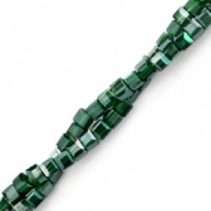 Vierkante cube facetkraal 2x2mm forest green pearl shine coating